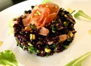 riso venere pistacchi e salmone