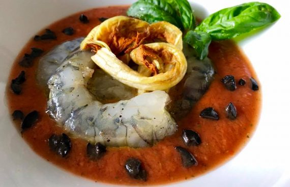 Gazpacho alla napoletana con gamberi crudi